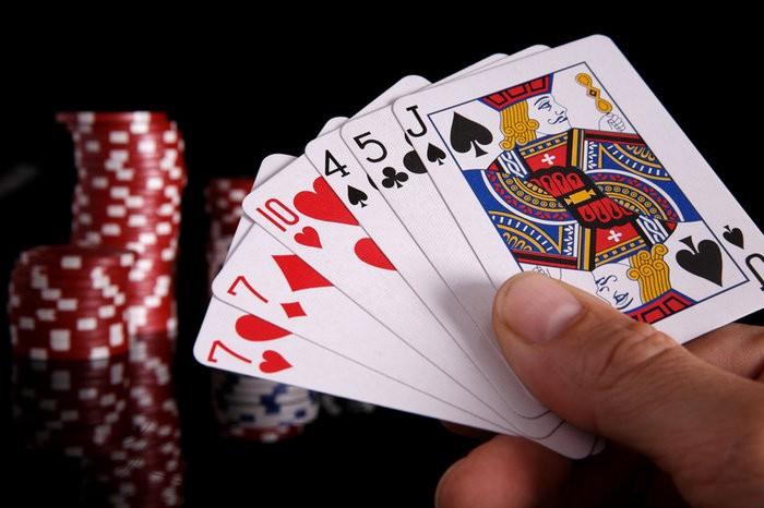 Dasar Poker Online